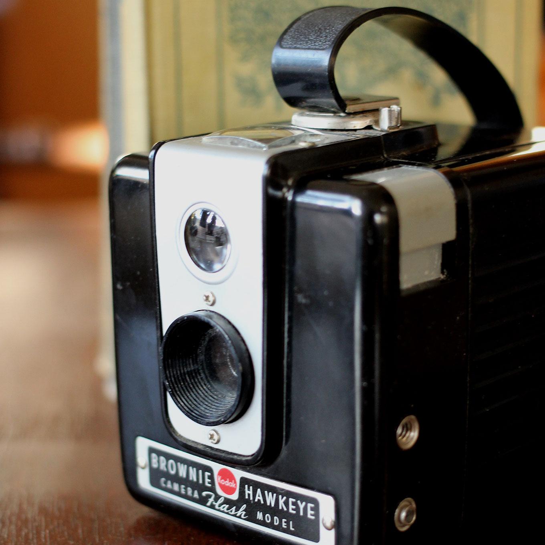 Kodak-Brownie-Hawkeye-Flash-(3)-1360x1360.jpg