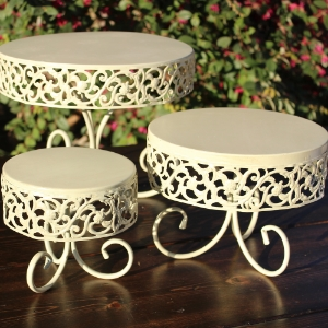 3-TIERED SET - $15    MORE DETAILS & PICS...