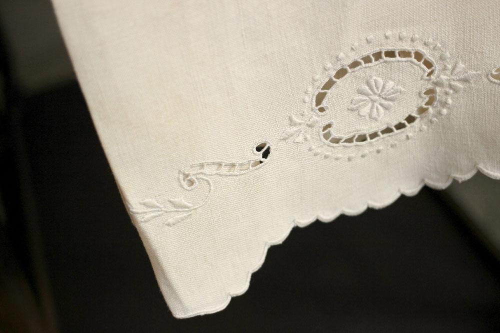White-Linen-Kitchen-Towel-detail-1000x667.jpg