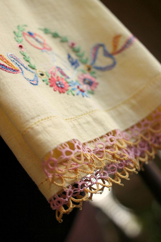 Yellow-Kitchen-towel-detail-2-667x1000.jpg
