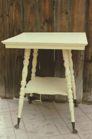 Square Claw Foot Table - $30    MORE DETAILS & PICS...