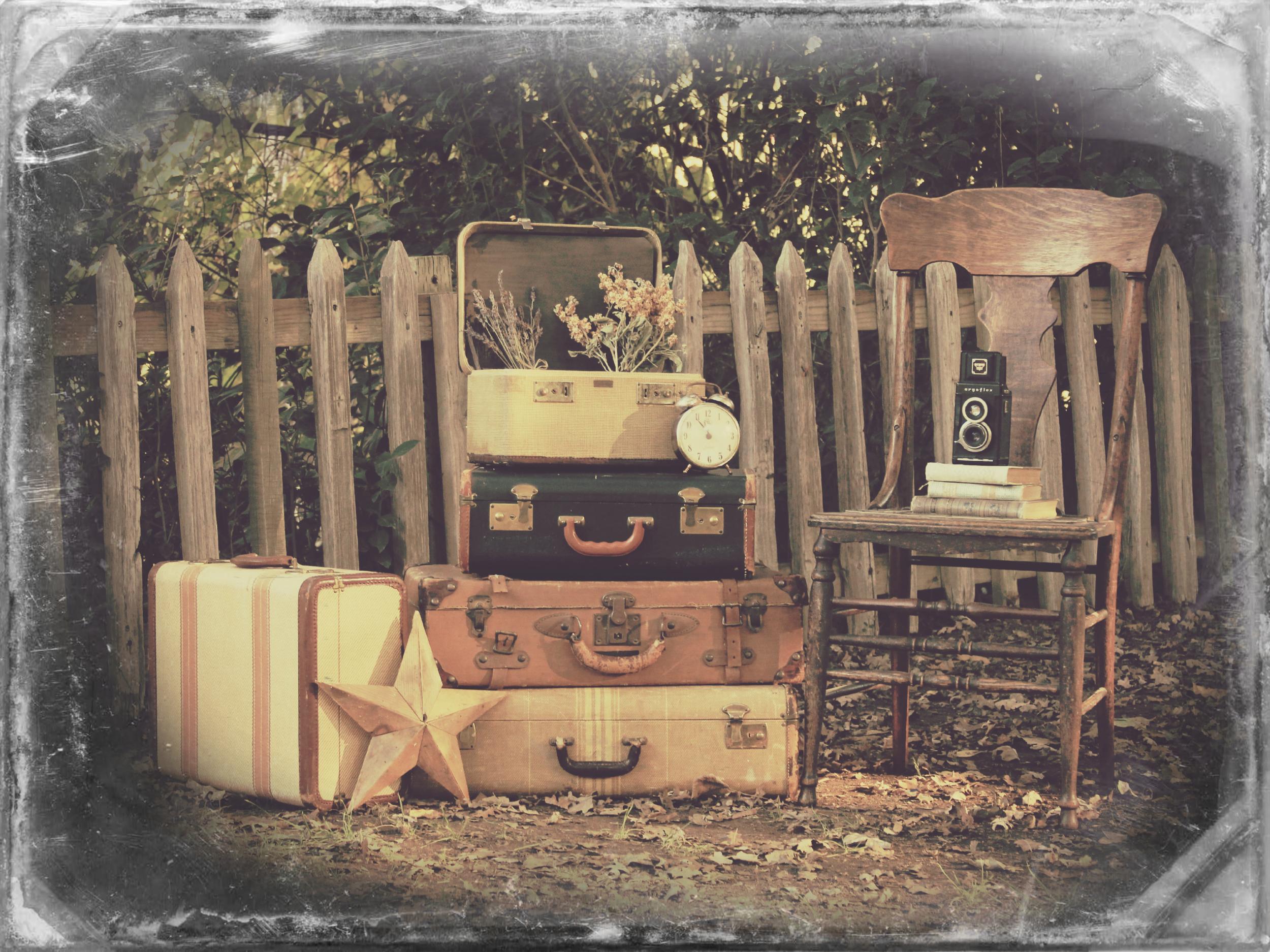 Vintage Vignette - Luggage2.png