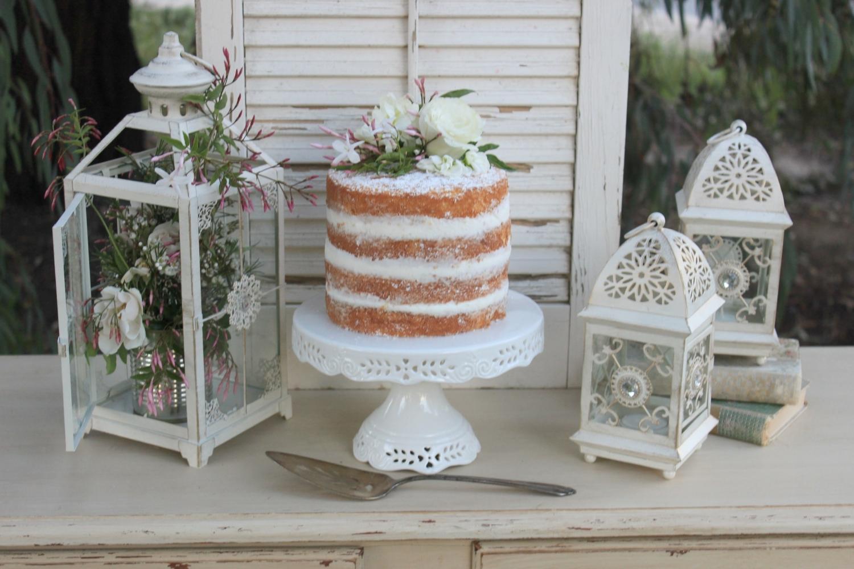 Vintage Wedding Cake Table
