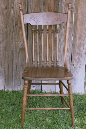 Farm-Style Spindle Chair-1   RENT FOR $15    MORE DETAILS & PICS...