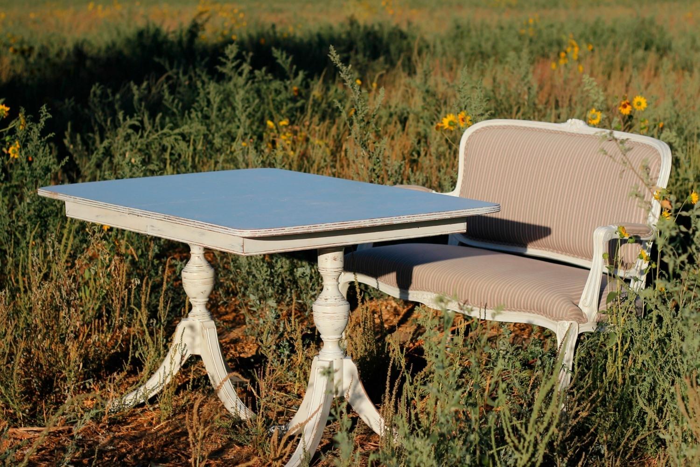 Vintage sweetheart table rental