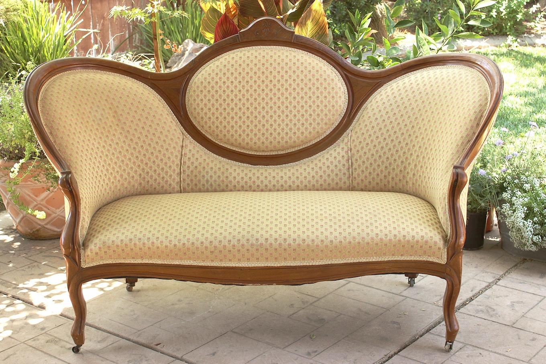 Vintage Victorian Furniture - Wedding Rentals