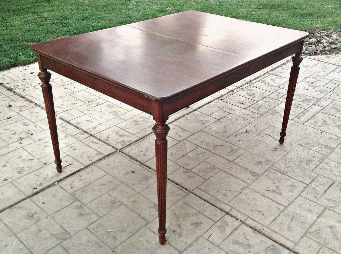 Reeded Sweetheart Table1.jpg