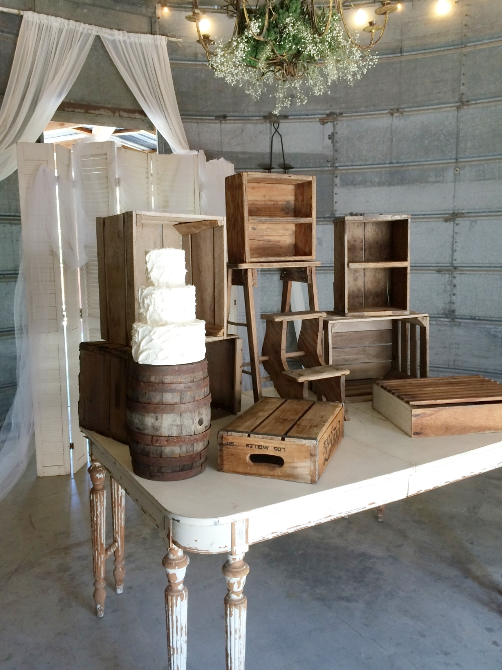 Rustic Vintage Wedding Dessert Table Ideas