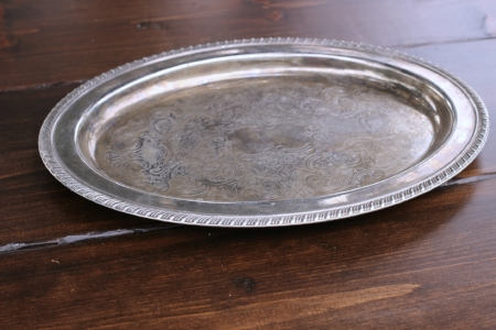 """LARGE OVAL TRAY - $10 8""""X 12"""" - inside lip / 11""""x 16"""" overall"""