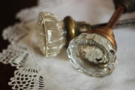 GLASS DOORKNOB SETS - $10 EACH    MORE DETAILS & PICS...