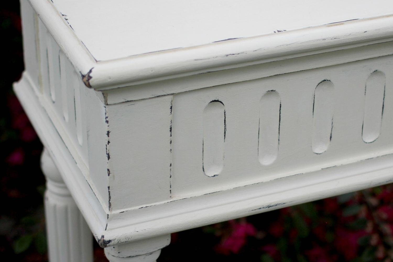 Console Table White-Closeup.jpg