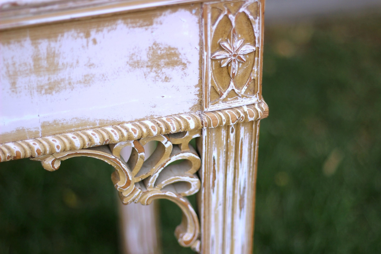 Medallion Table Detail1.jpg