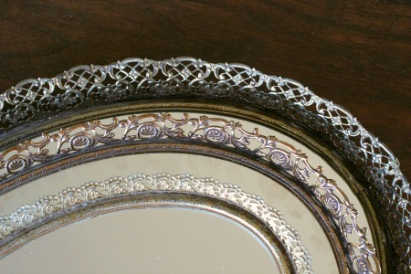 GOLD & SILVER MIRRORED VANITY TRAYS - $10    MORE DETAILS & PICS...
