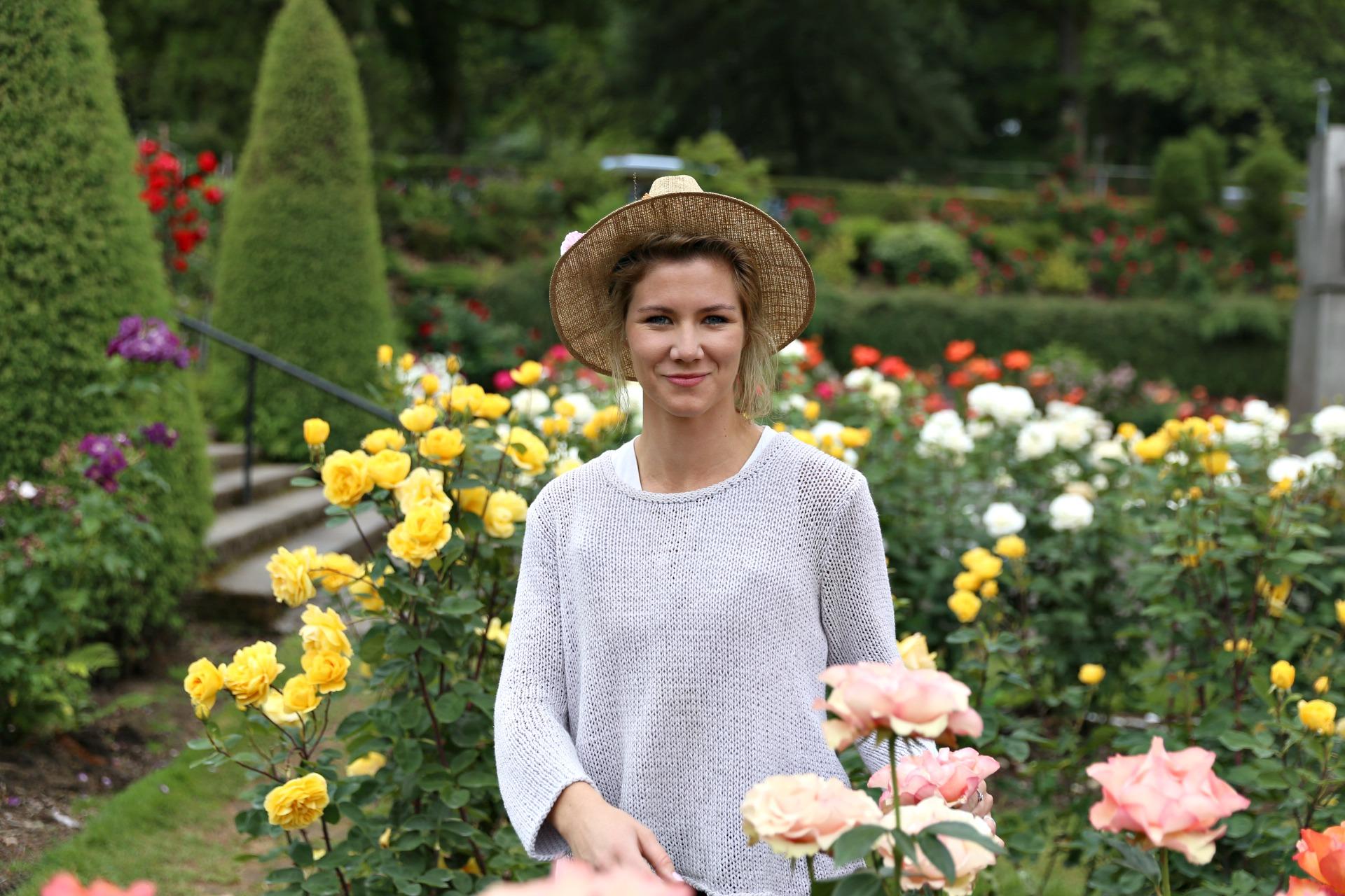 rosegardenrs1.jpg