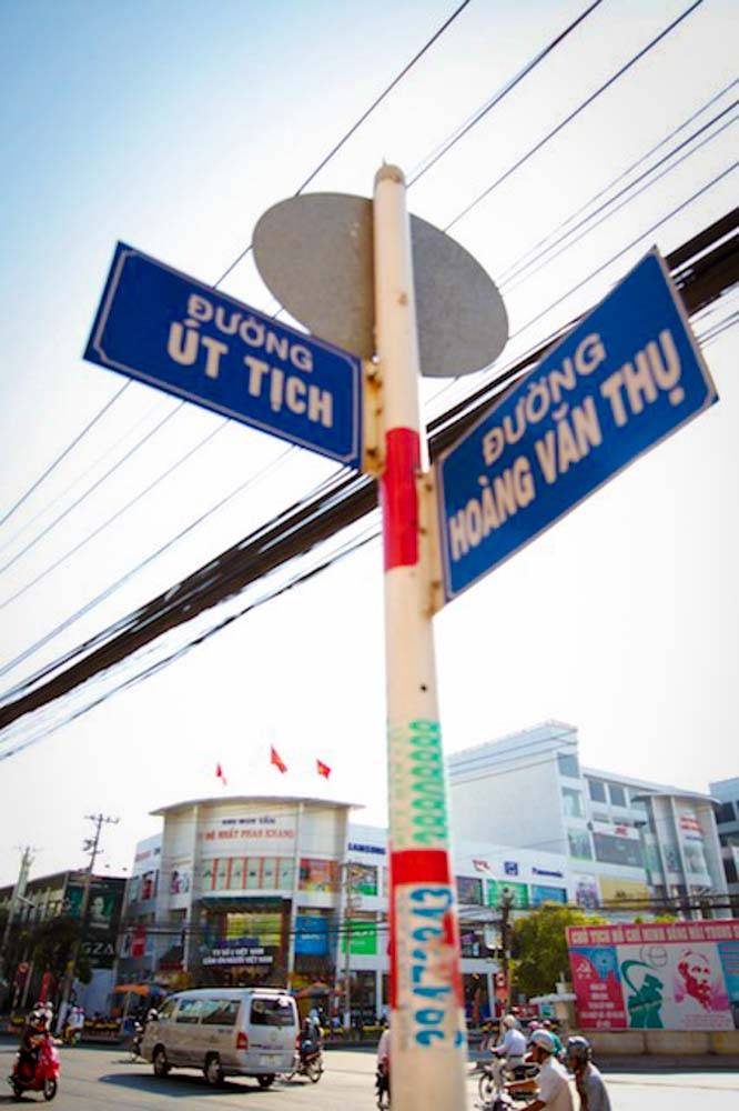 Saigon Sign.jpg