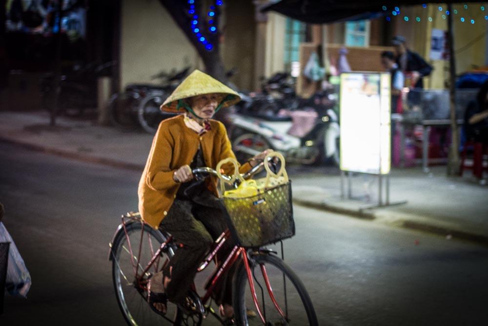 Hoi An biker.jpg
