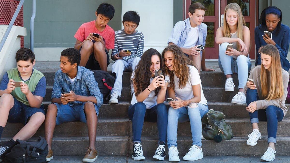 emoji and social media in literacy