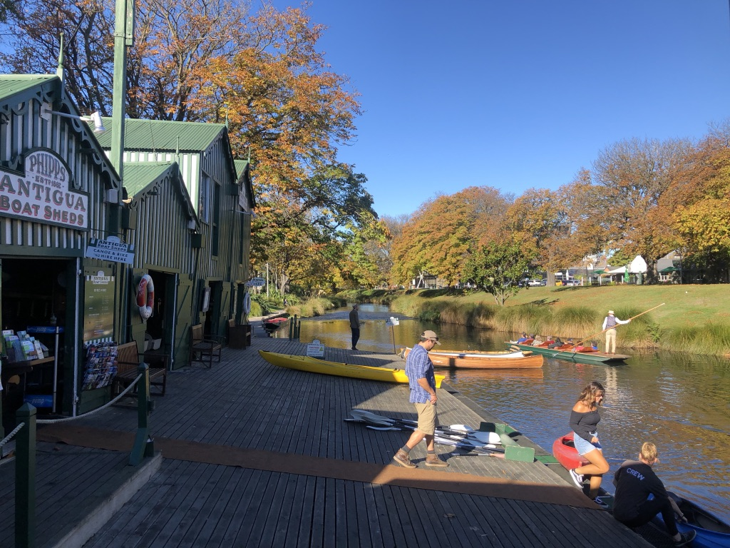People enjoying canoeing & punting on the Avon river, Christchurch photo by Sunstone