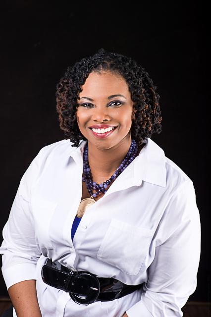 Client: Kenisha T. Location: Jacksonville, FL MUA: Davianne Rivera Photographer: Leighton DaCosta