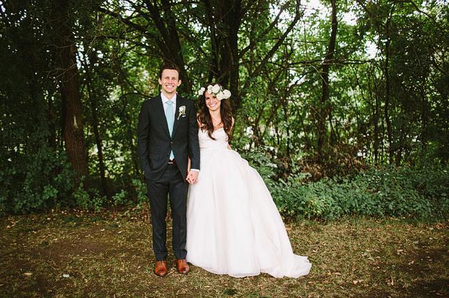 Ester-Matt-Nashcago-rustic-glam-wedding-Q-Avenue-Photo