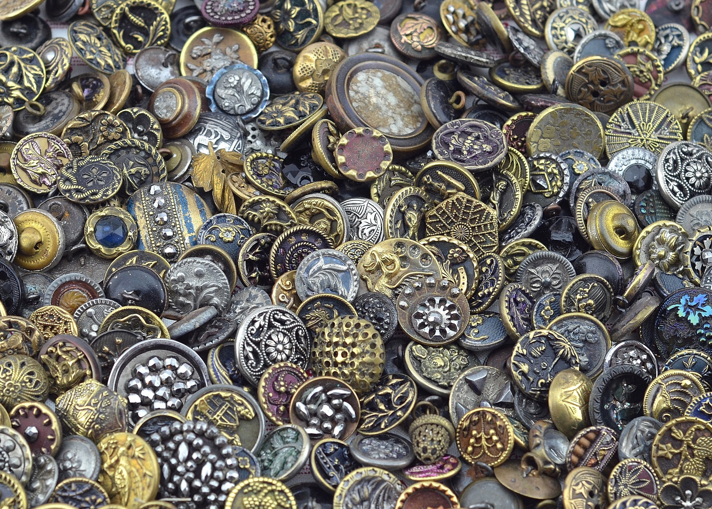 MRS Designs, LLC Vintage Buttons