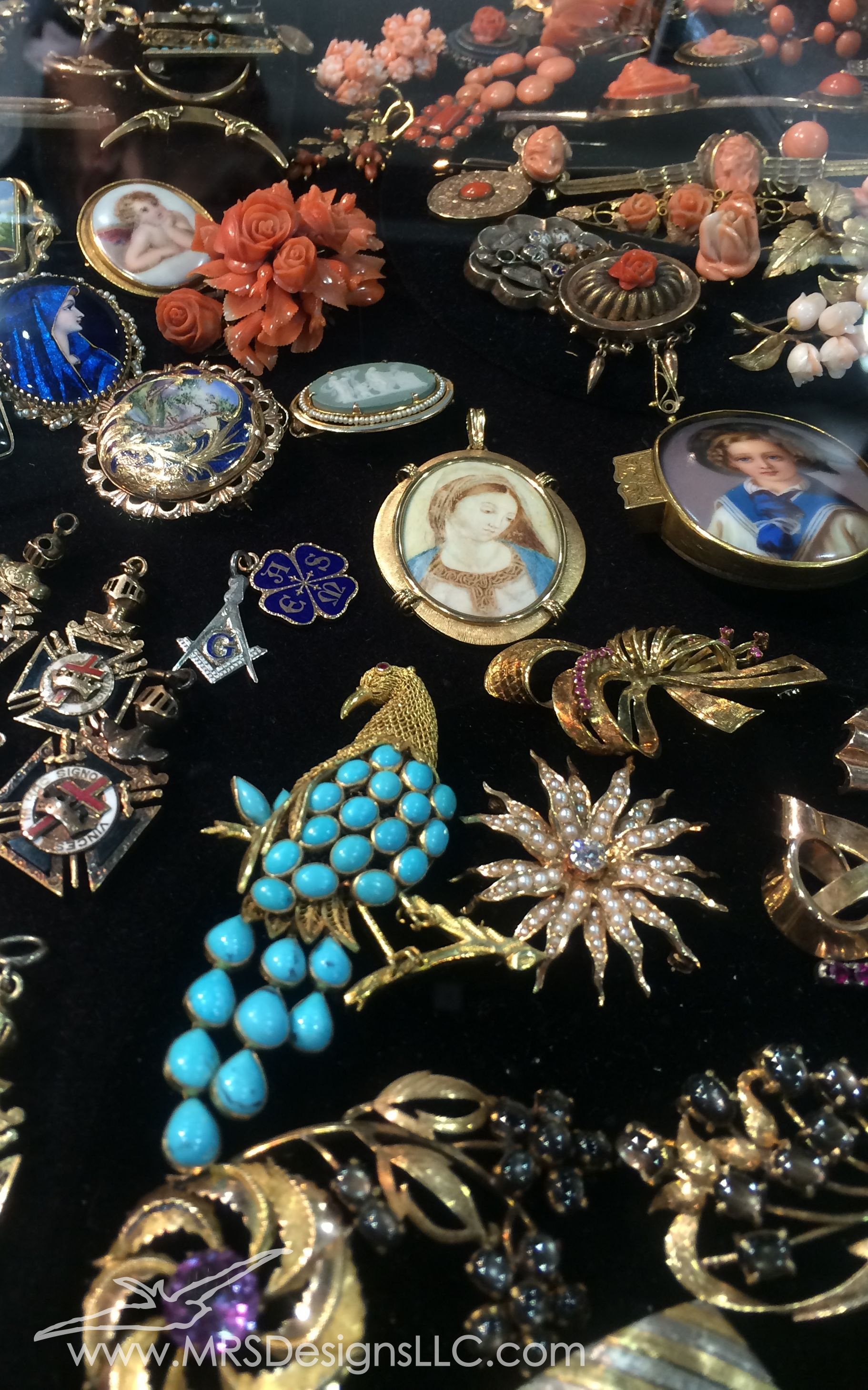 Vintage Brooches at the Bead and Button Show MRS Designs