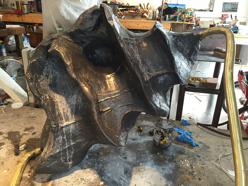 Big bee resistor after epoxy buddy is applied and sculpted. Next, the sculpture will be painted