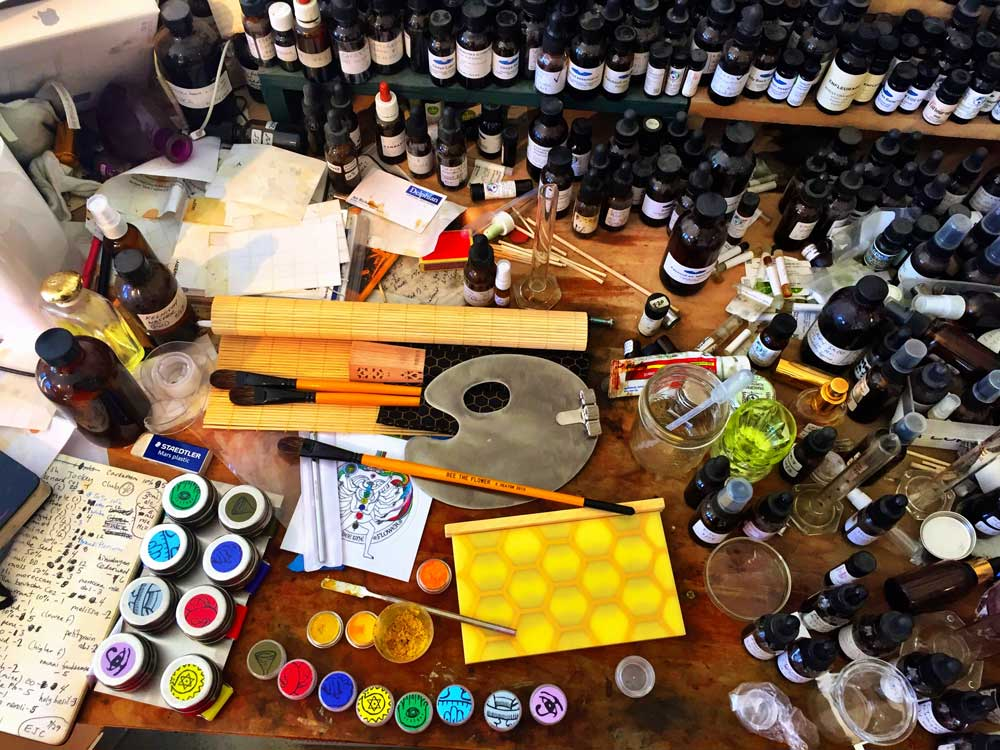 Working today on body pollen and chakra-inspired perfumes. Here's a view onto my artistic perfume bench, a happy and fragrant chaos. The images, pollen, tools and scents are from my perfume painting kit, Bee The Flower (2015)