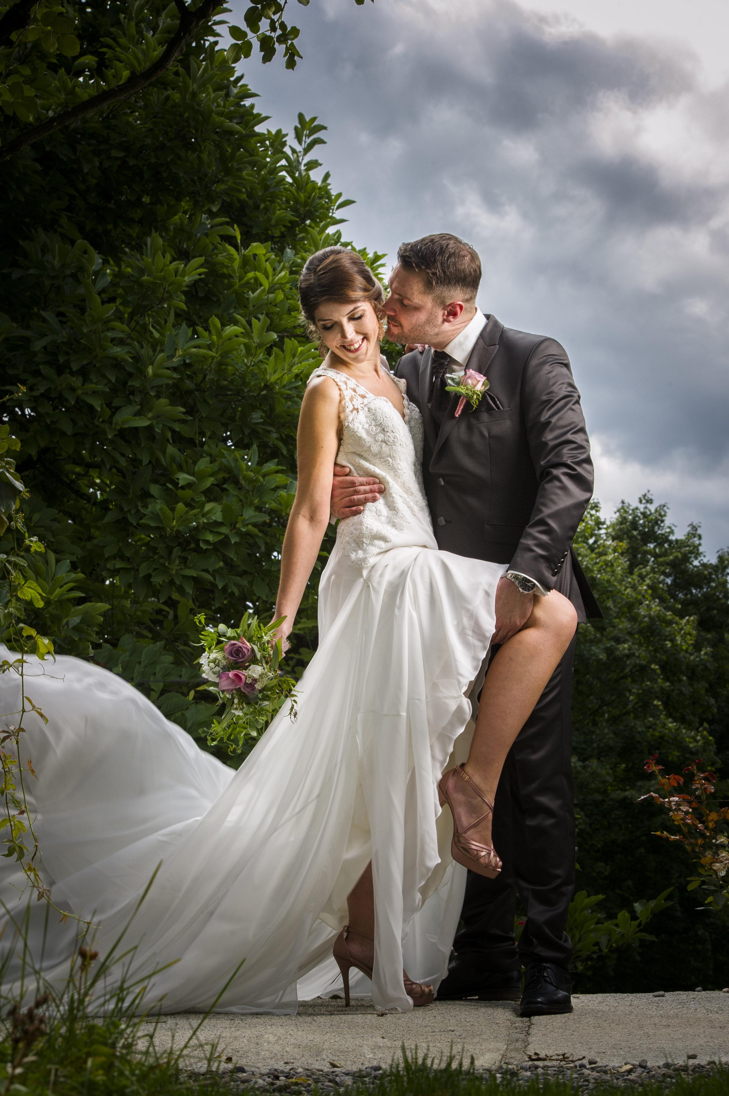 Auch ein schönes Paar in einer schönen Umgebung, aber an einer echten Hochzeit entstanden.