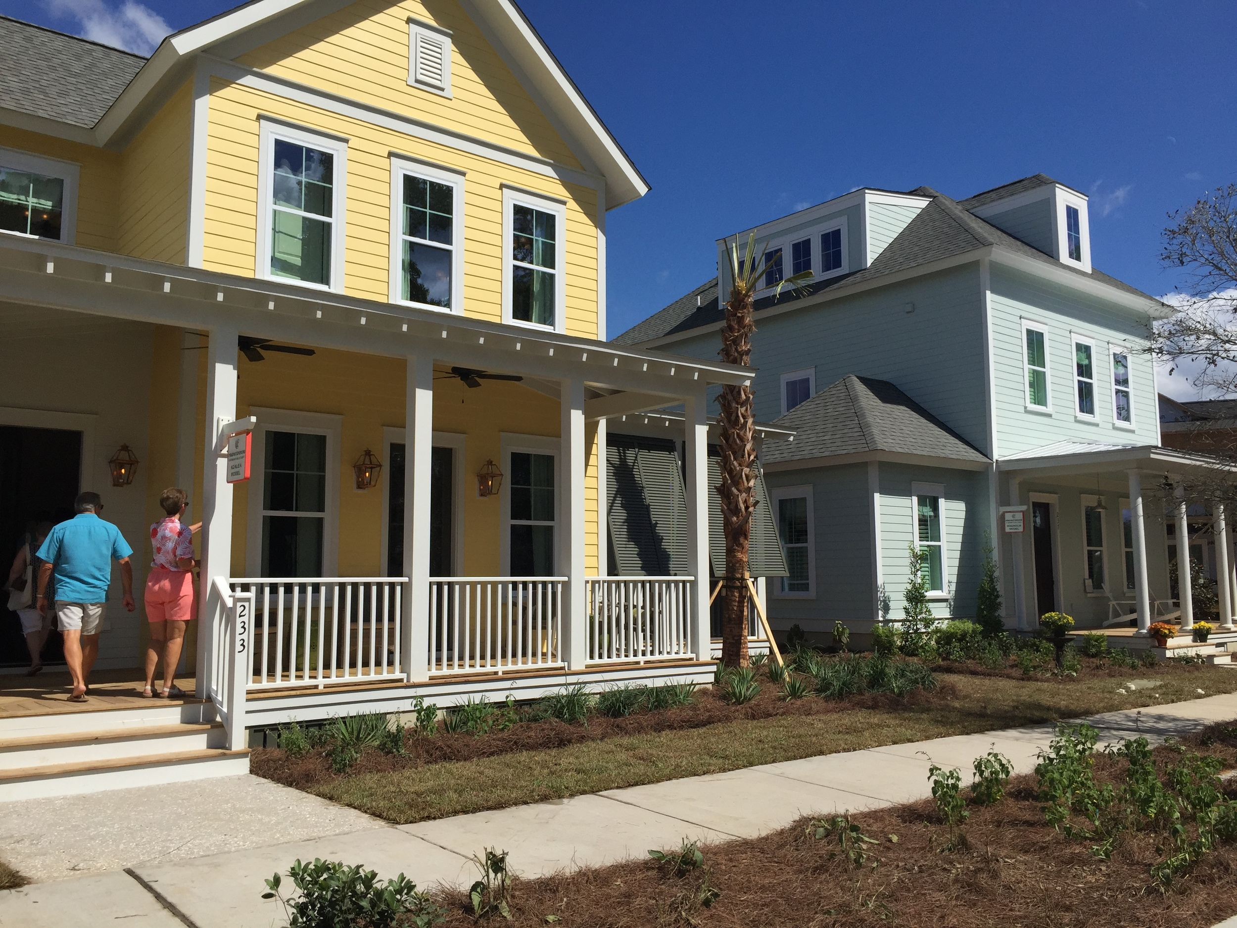 Builder Houses in the Gardenwall Neighborhood