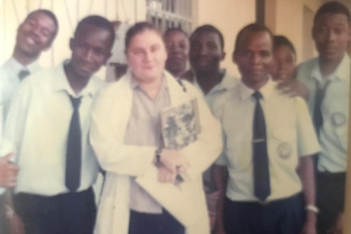 Kim Greig, from the GRASSROOTS team, working in Beira (Mozambique) from 2000-2003