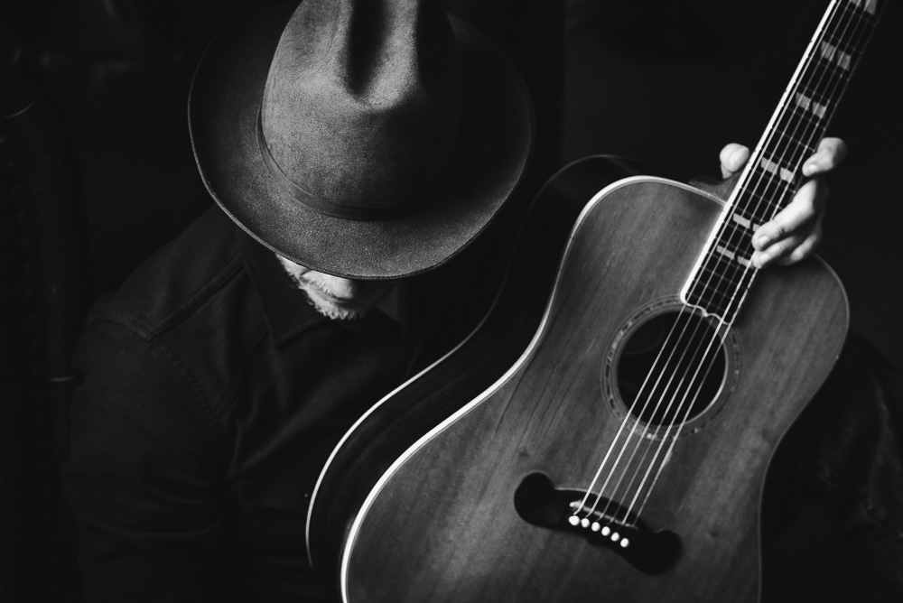 Rolling Stone - Jason Eady Top 10 Country artists to watch