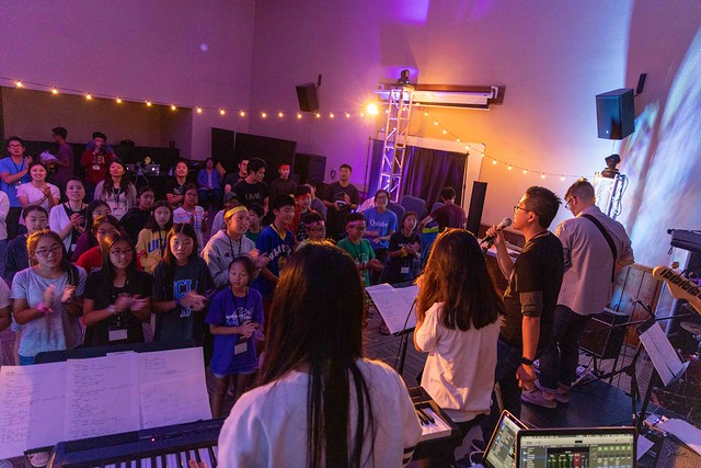 We had awesome praise sessions thanks to the Element HS band!