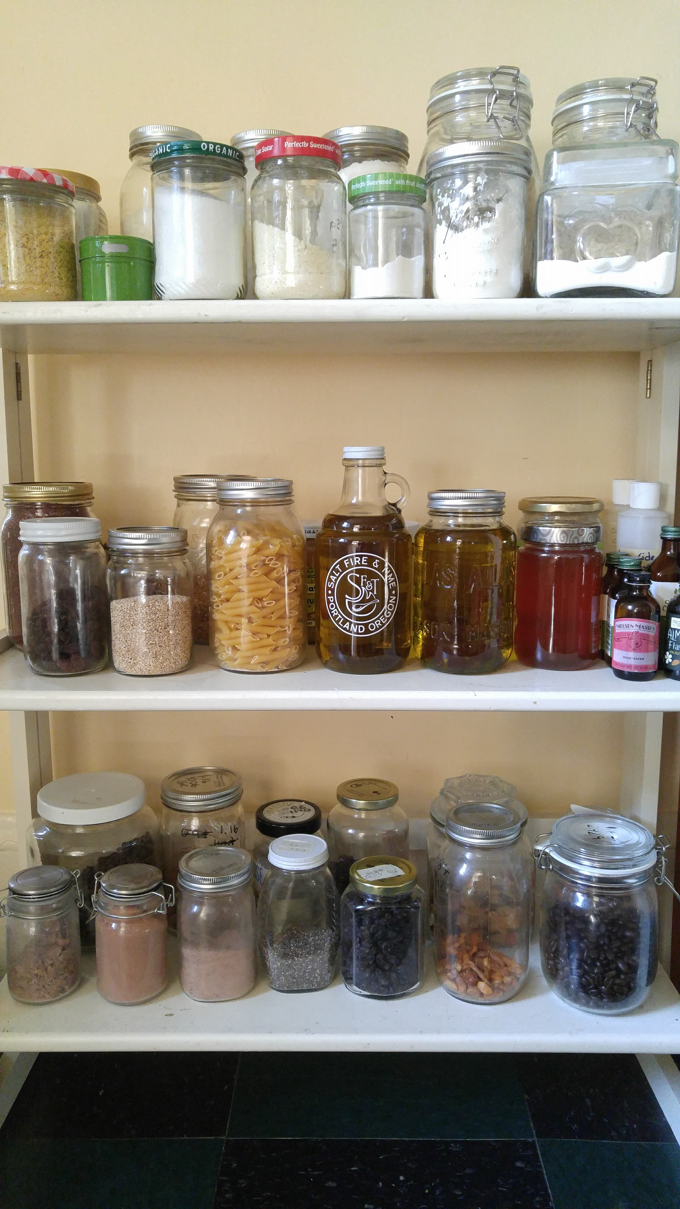 pantry_containers_2.jpg