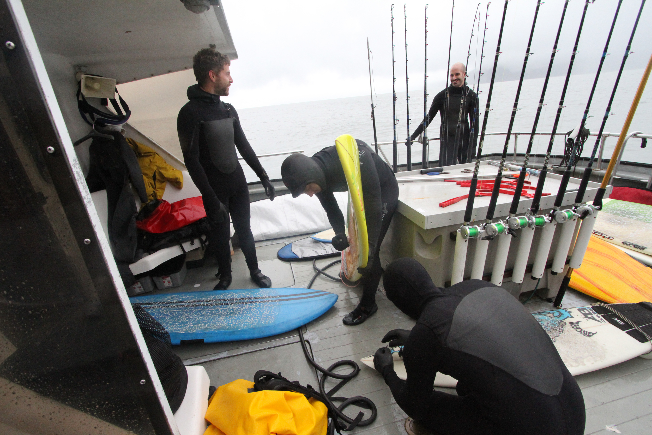 surfboatgettingready.jpg