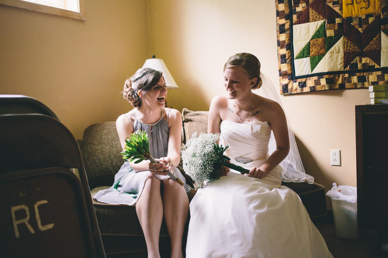 South-Dakota-Intimate-Wedding-15.jpg