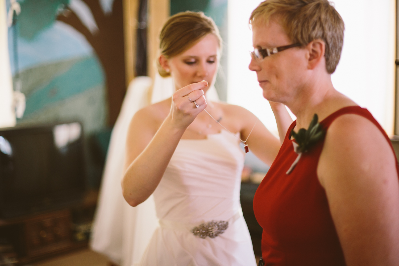 South-Dakota-Intimate-Wedding-27.jpg