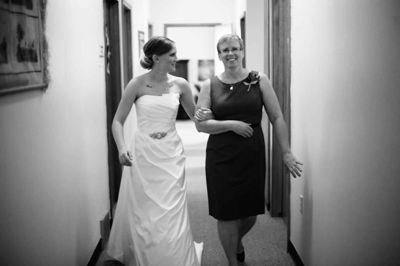 South-Dakota-Intimate-Wedding-29.jpg