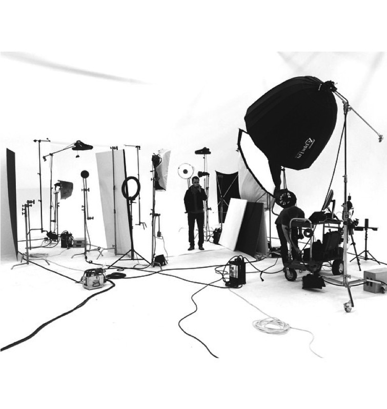 Jeremy Cowart's impressive studio setup, containing many of the aforementioned modifiers.