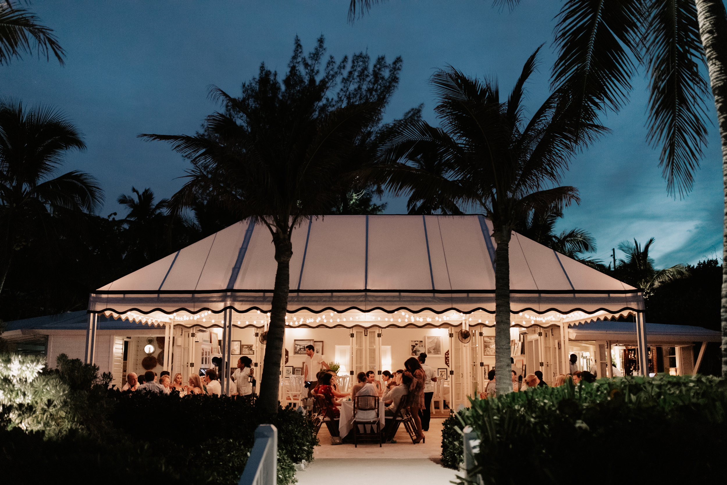 Harbour-Island-Ocean-View-Club-Wedding-Photographer_33.jpg