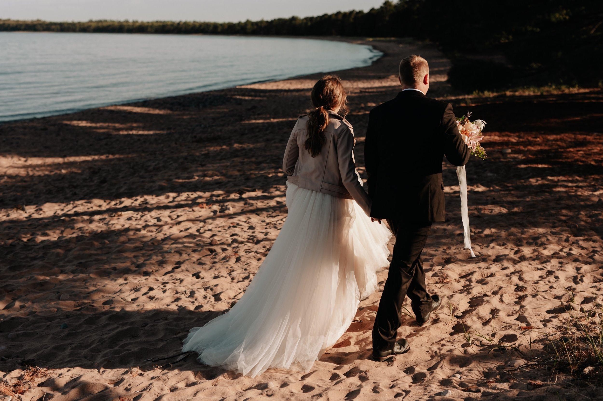Madeline-Island-Wedding-Photography_64.jpg