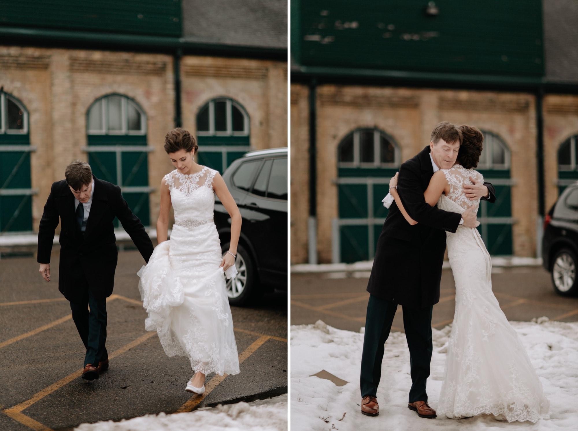 Nicollet-Island-Pavilion-Winter-Wedding-Minneapolis_15.jpg