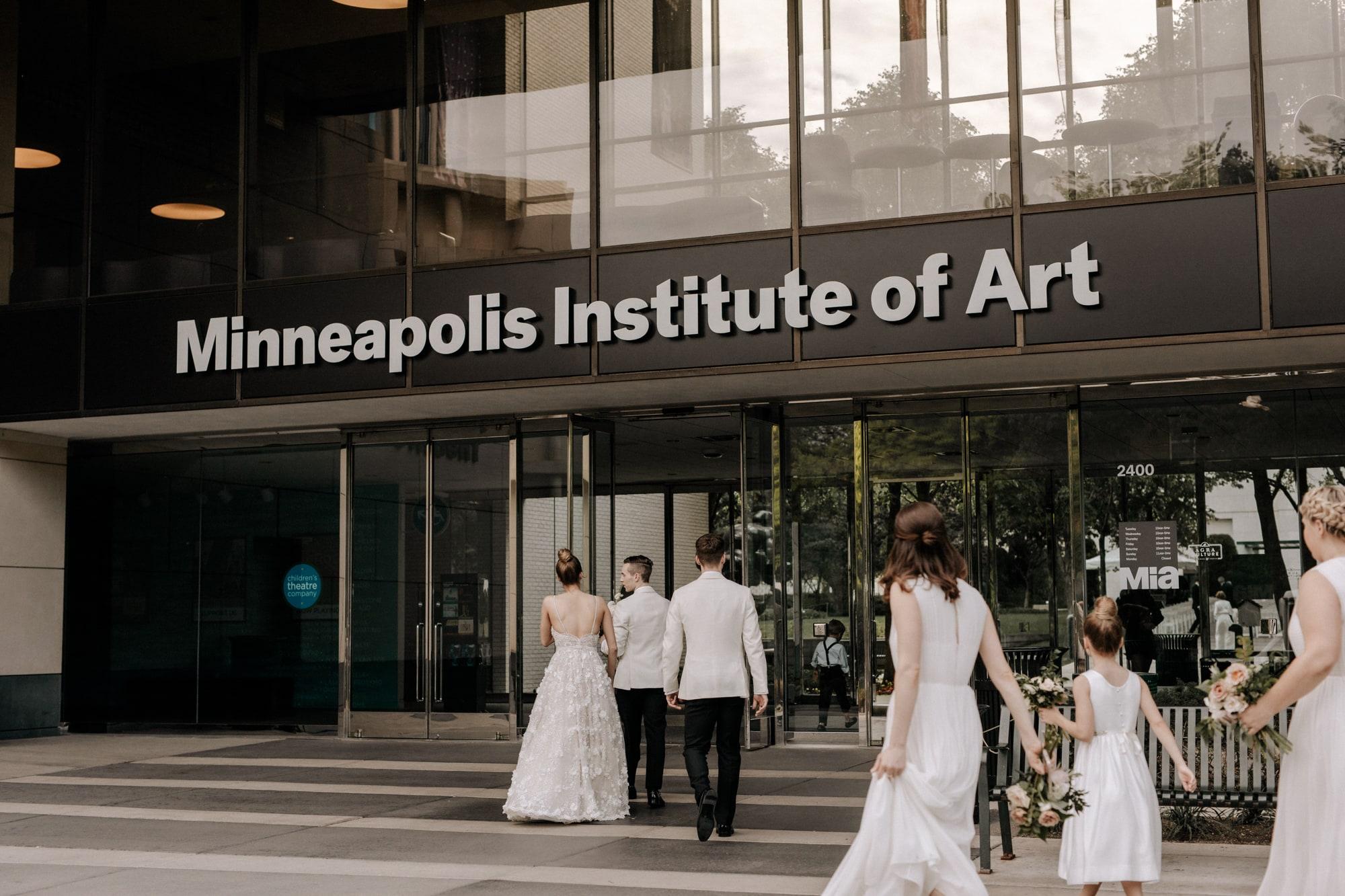 MIA-Minneapolis-Institute-Art-Summer-Wedding-_23.jpg