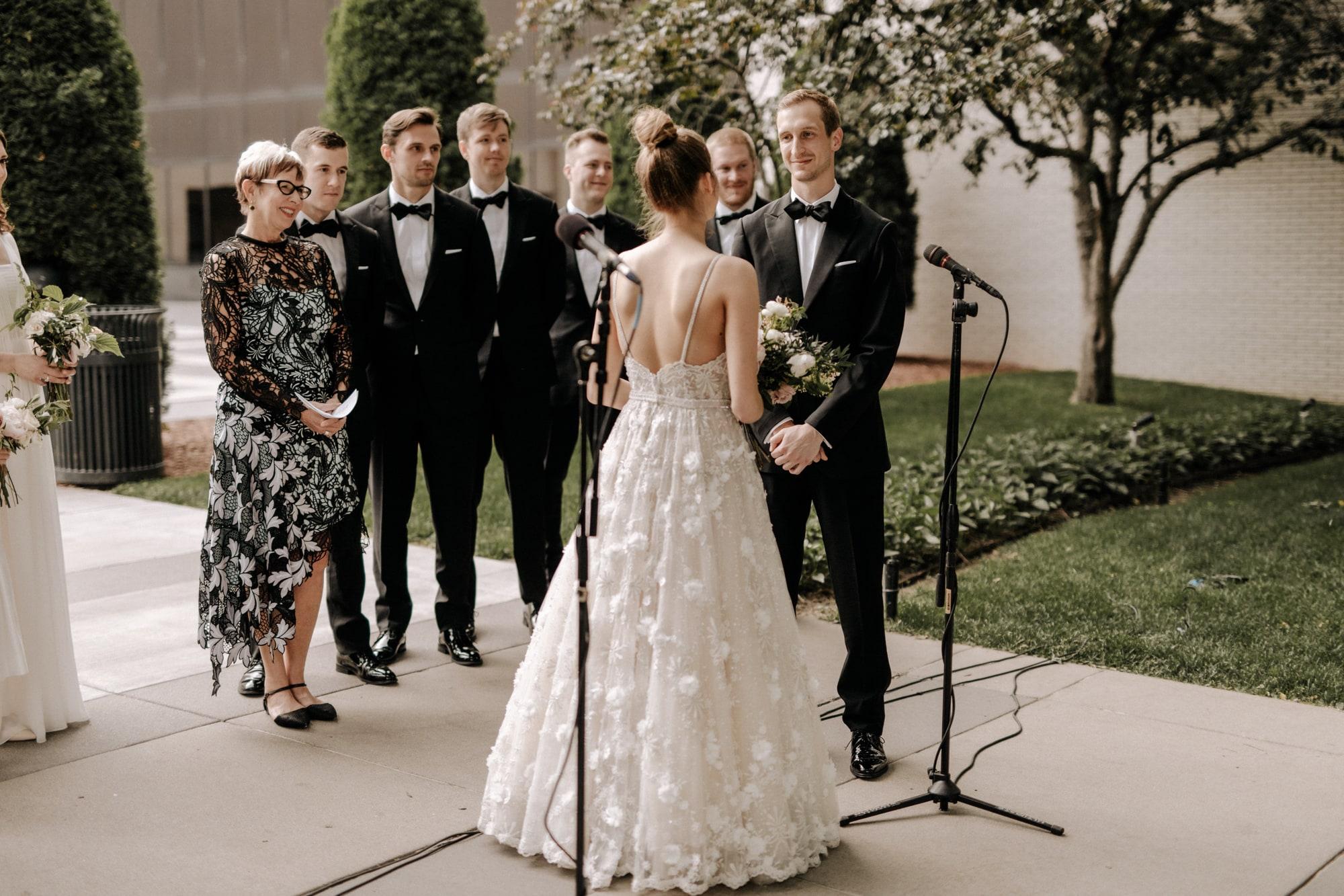 MIA-Minneapolis-Institute-Art-Summer-Wedding-_30.jpg
