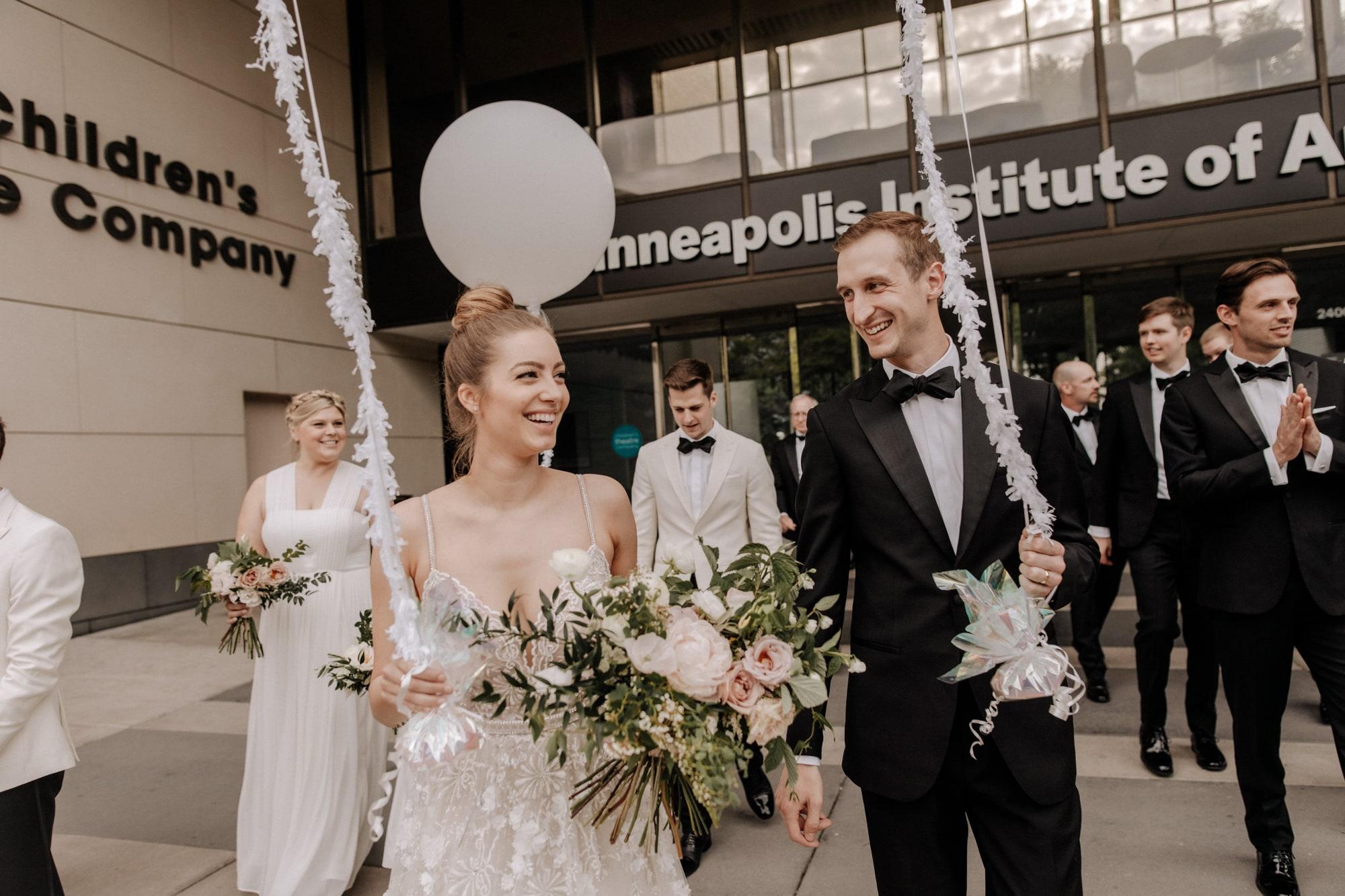 MIA-Minneapolis-Institute-Art-Summer-Wedding-_35.jpg