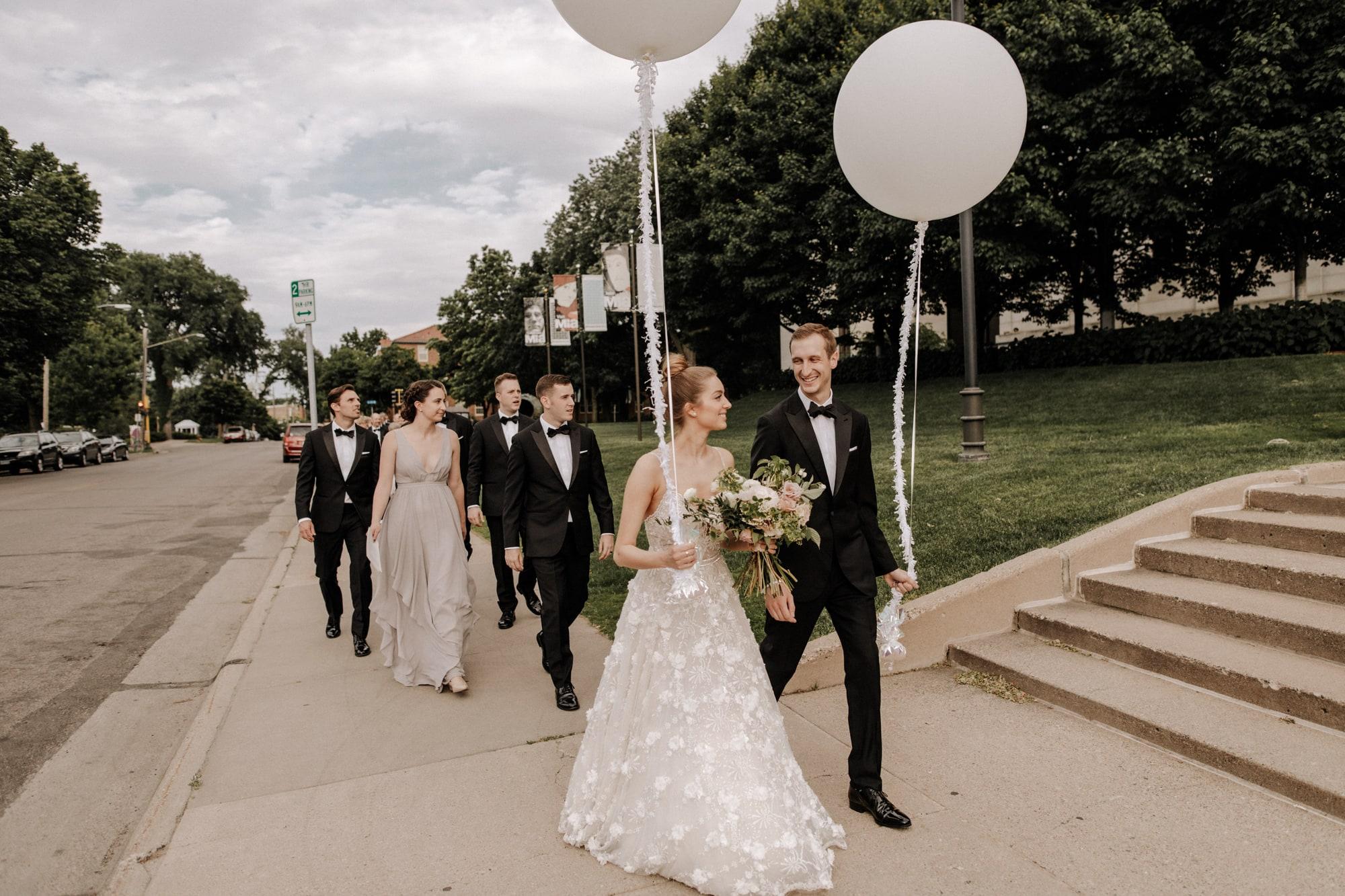 MIA-Minneapolis-Institute-Art-Summer-Wedding-_37.jpg