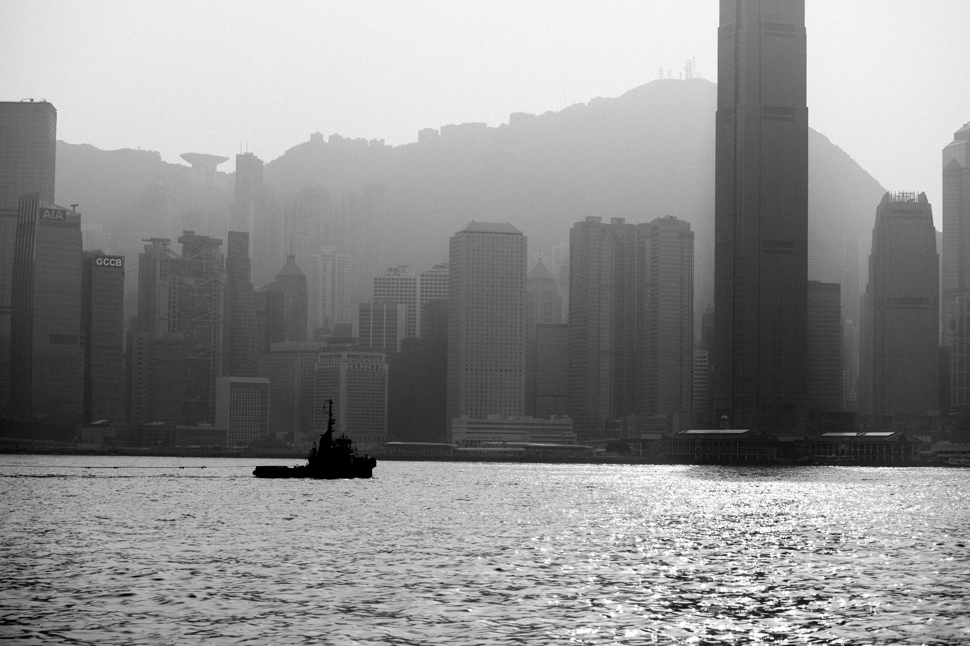 Between Hong Kong Island and Kowloon is Victoria Harbour, where hundreds of vessels traverse each year.