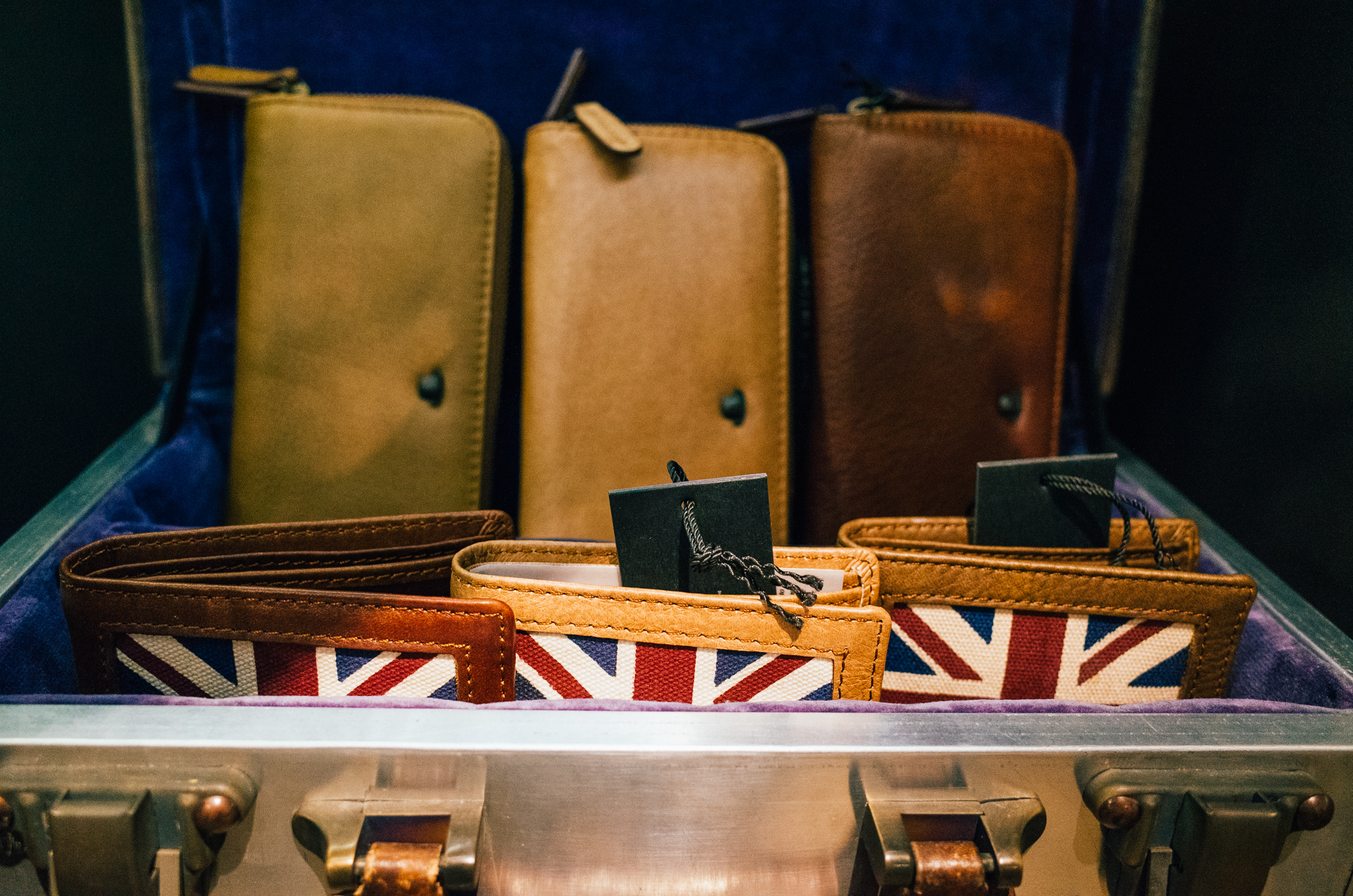 The selection of leather goods were endless, and they were just so beautifully hand-crafted that I couldn't help but ogle.