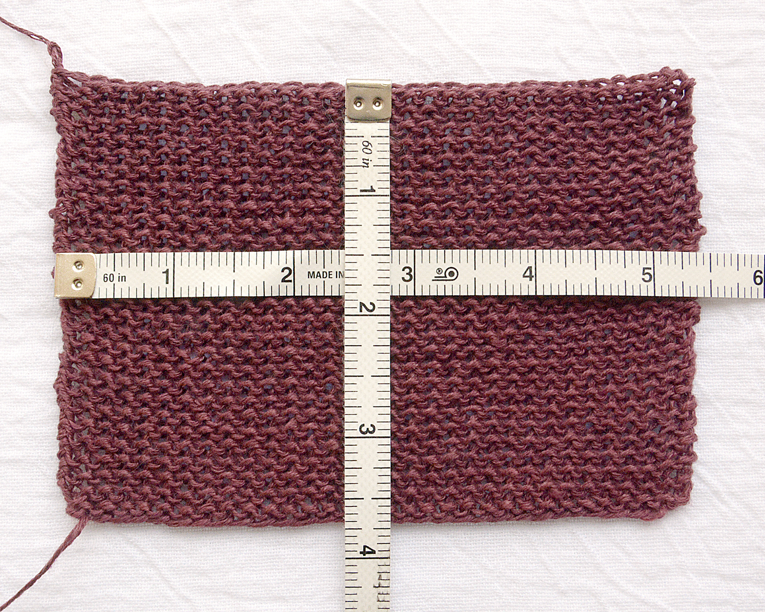 "Unblocked gauge: 24 sts x 60 rows = 4"" [10 cm]"