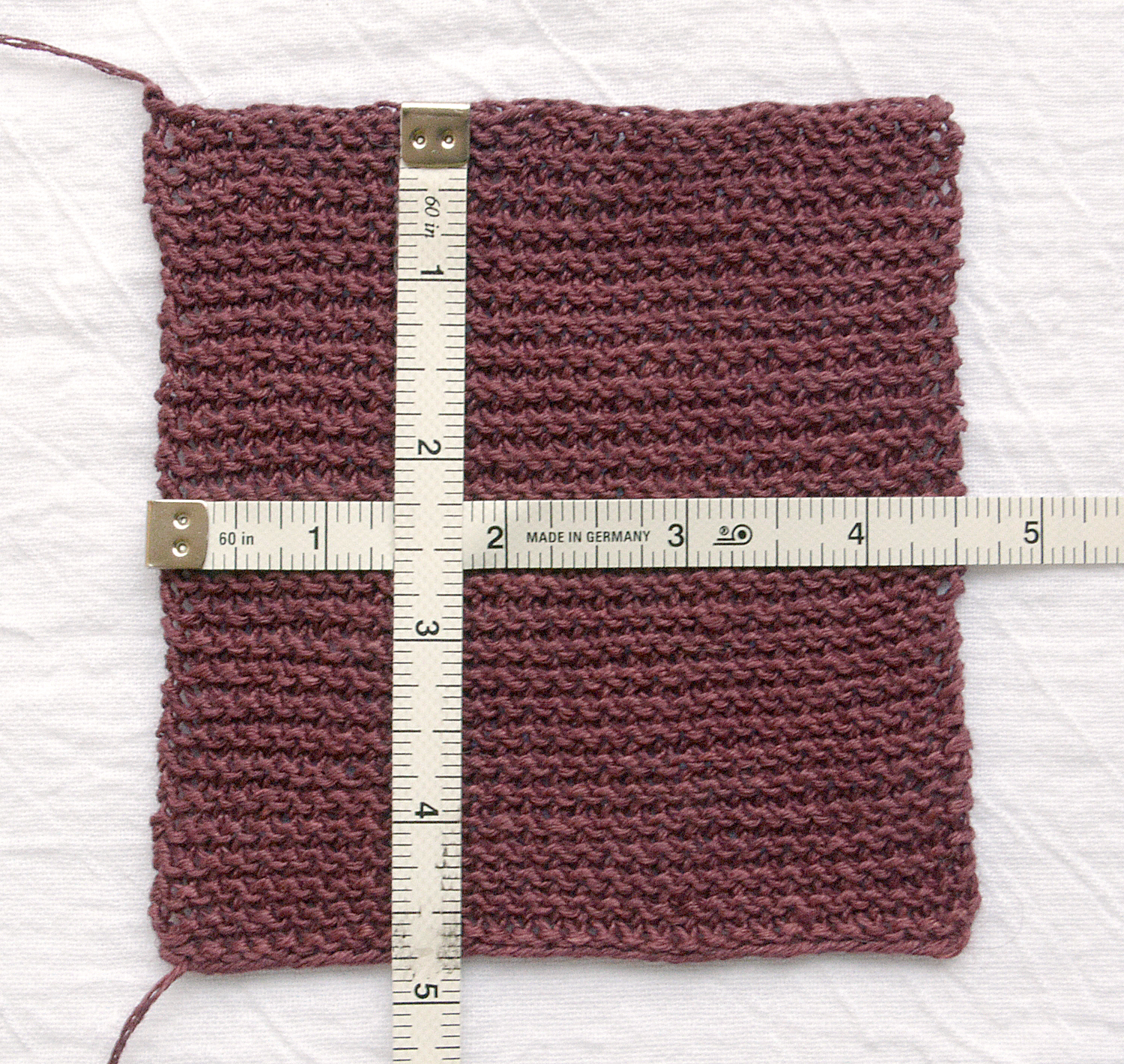 "Blocked gauge: 27 sts x 44 rows = 4"" [10 cm]"